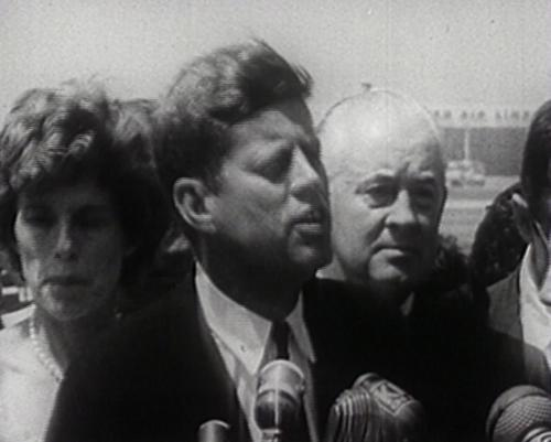 <p>President Kennedy op campagne</p>